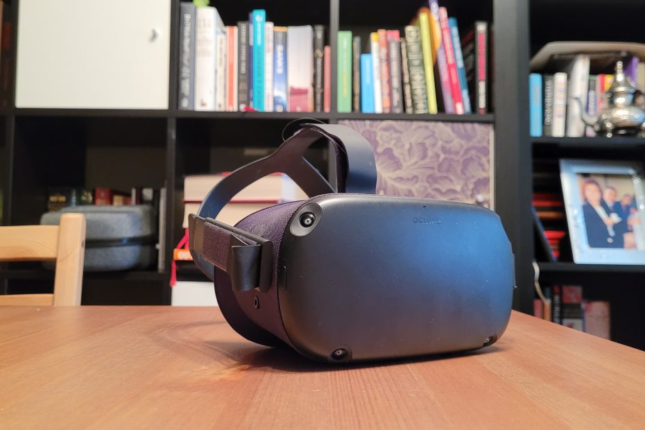 How many remote workers will use VR headsets?